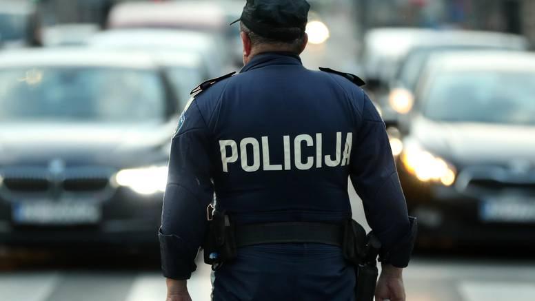 Policajac kolegi ukrao mobitel pa mu u kući pronašli oružje...