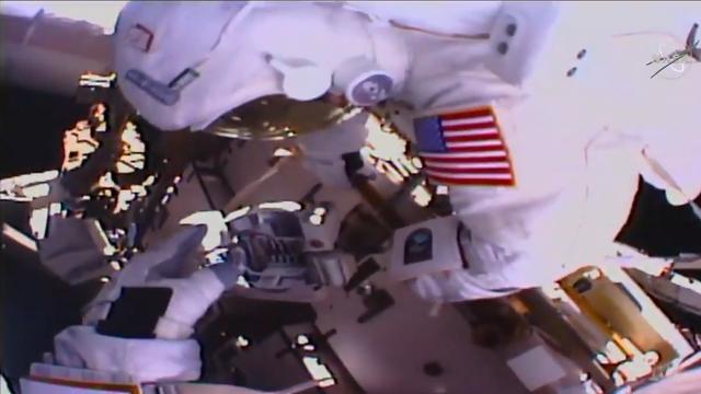 Svemirom upravo 'šetaju' dvije žene, a NASA to prenosi uživo