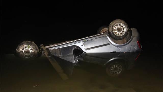 Pijan autom izletio u Dunav, u nesreći poginuo suvozač (21)