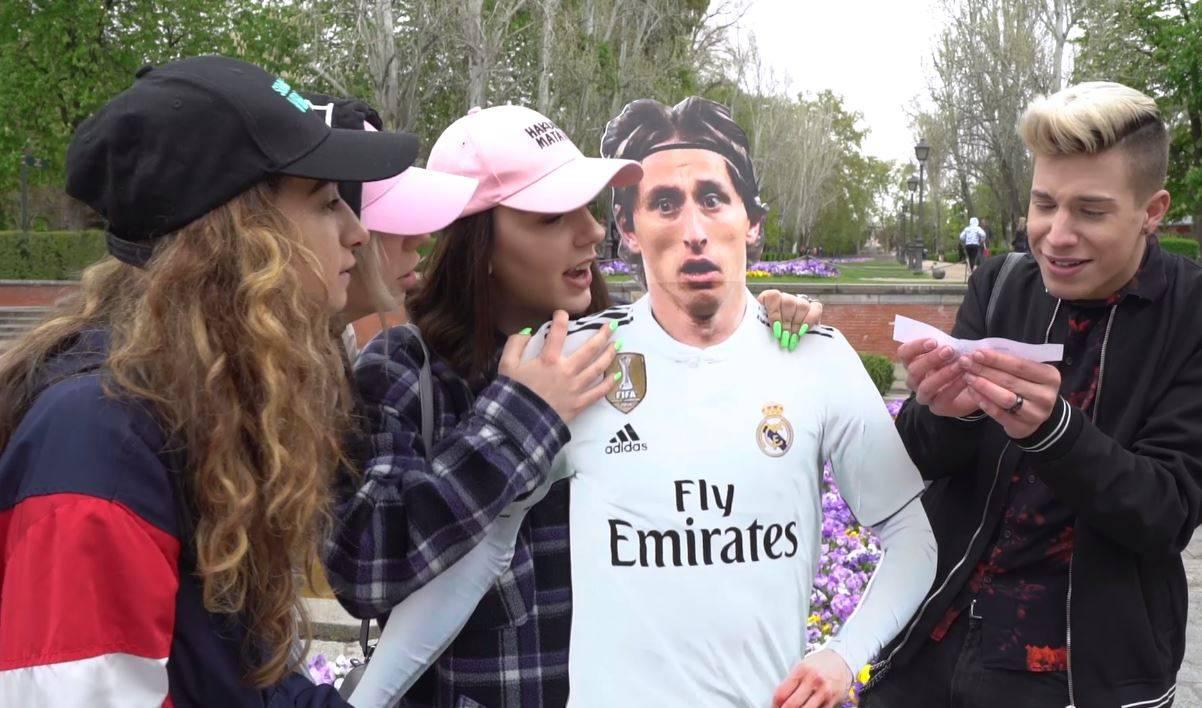 Hrvati su ispred stadiona Real Madrida ljudima dijelili novce