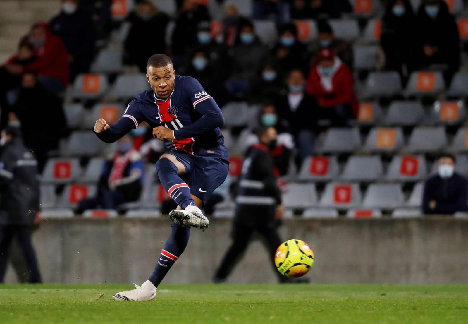 Ligue 1 - Nimes Olympique vs Paris St Germain