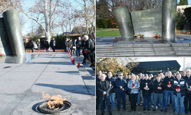 Prosvjed branitelja i građana zbog skrnavljenja spomenika