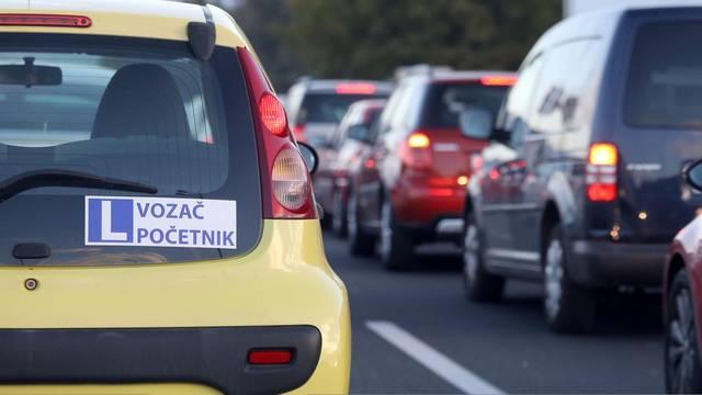 Zagreb: Naljepnica vozač početnik na automobilu