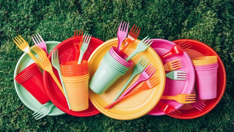 Slovenija zabranjuje prodaju određenih plastičnih proizvoda za jednokratnu upotrebu