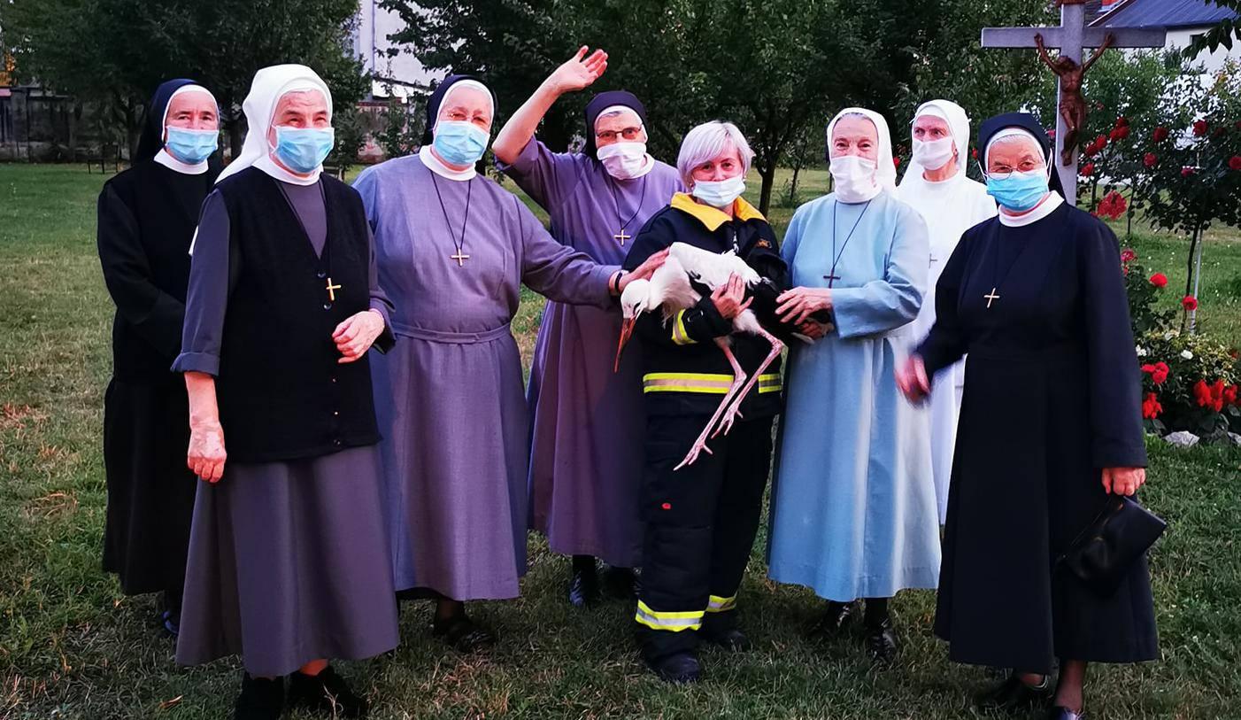 Časne sestre iz Đakova: Halo, vatrogasci? Rodi treba pomoć