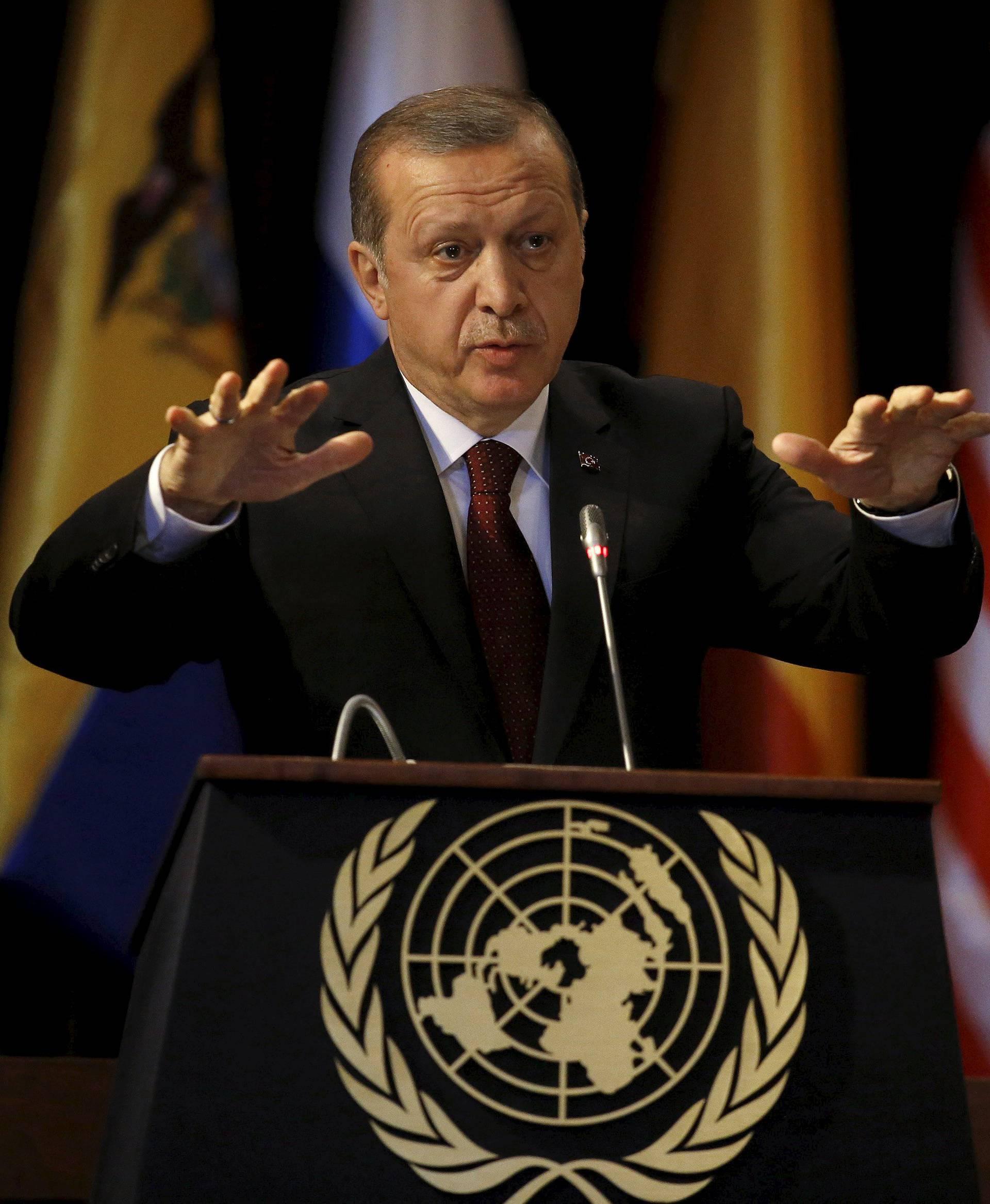 Turski novinar dobio 21 mjesec zatvora zbog uvrede Erdoganu