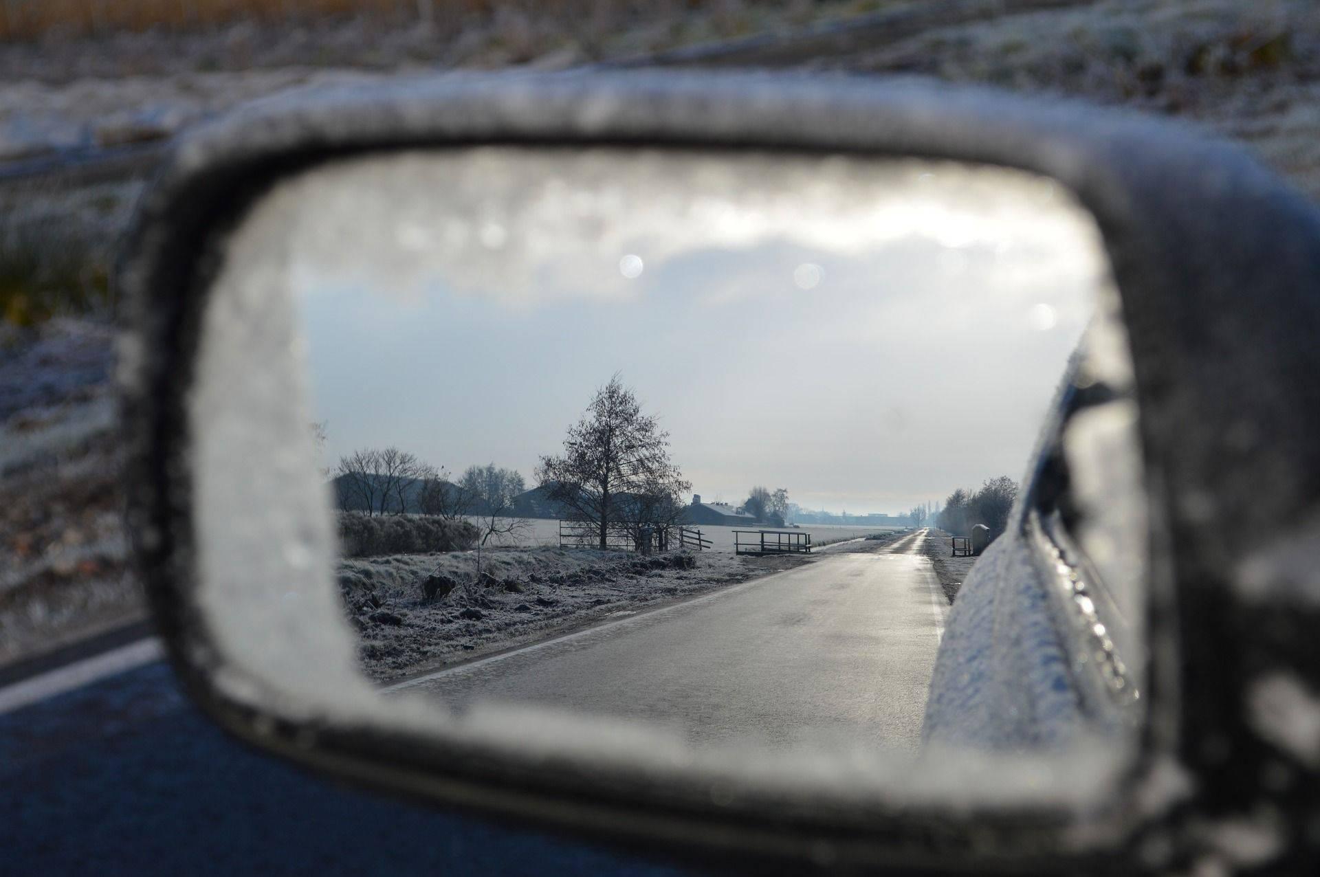Iskusni stručnjak objašnjava kako pripremiti auto za zimu