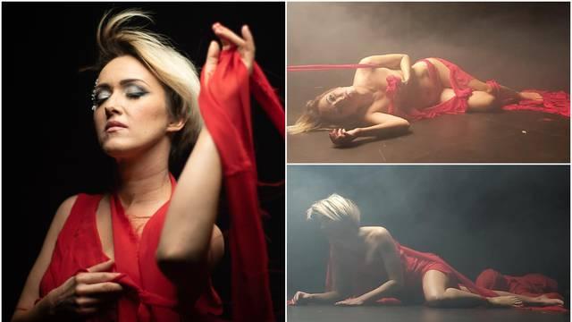 Kindl se ogolila za novi spot: Crvena haljina klizi joj iz ruke