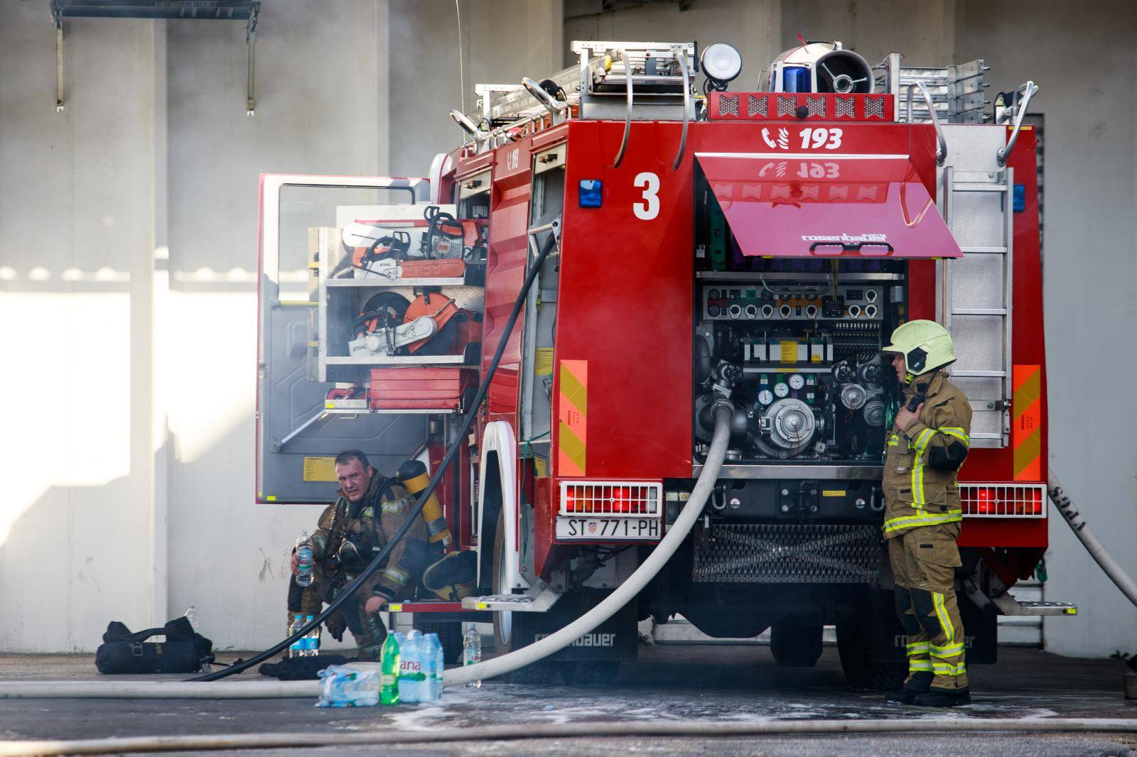 Opet požar u splitskom TTTS-u: Izgorjelo je osam kombija