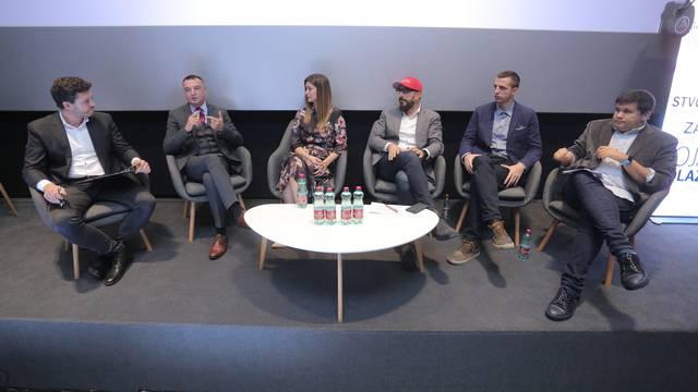 Zagreb: Panel Urednici budućnosti na KOMferenciji