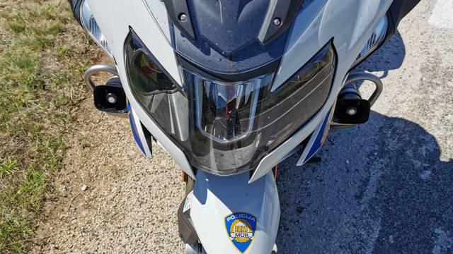Vozio motocikl mrtav pijan pa sletio s ceste i završio u bolnici