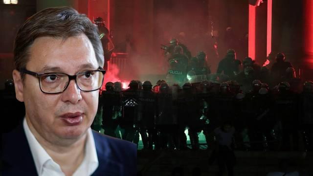 Ozlijeđeno nekoliko policajaca i prosvjednika, oglasio se i Vučić