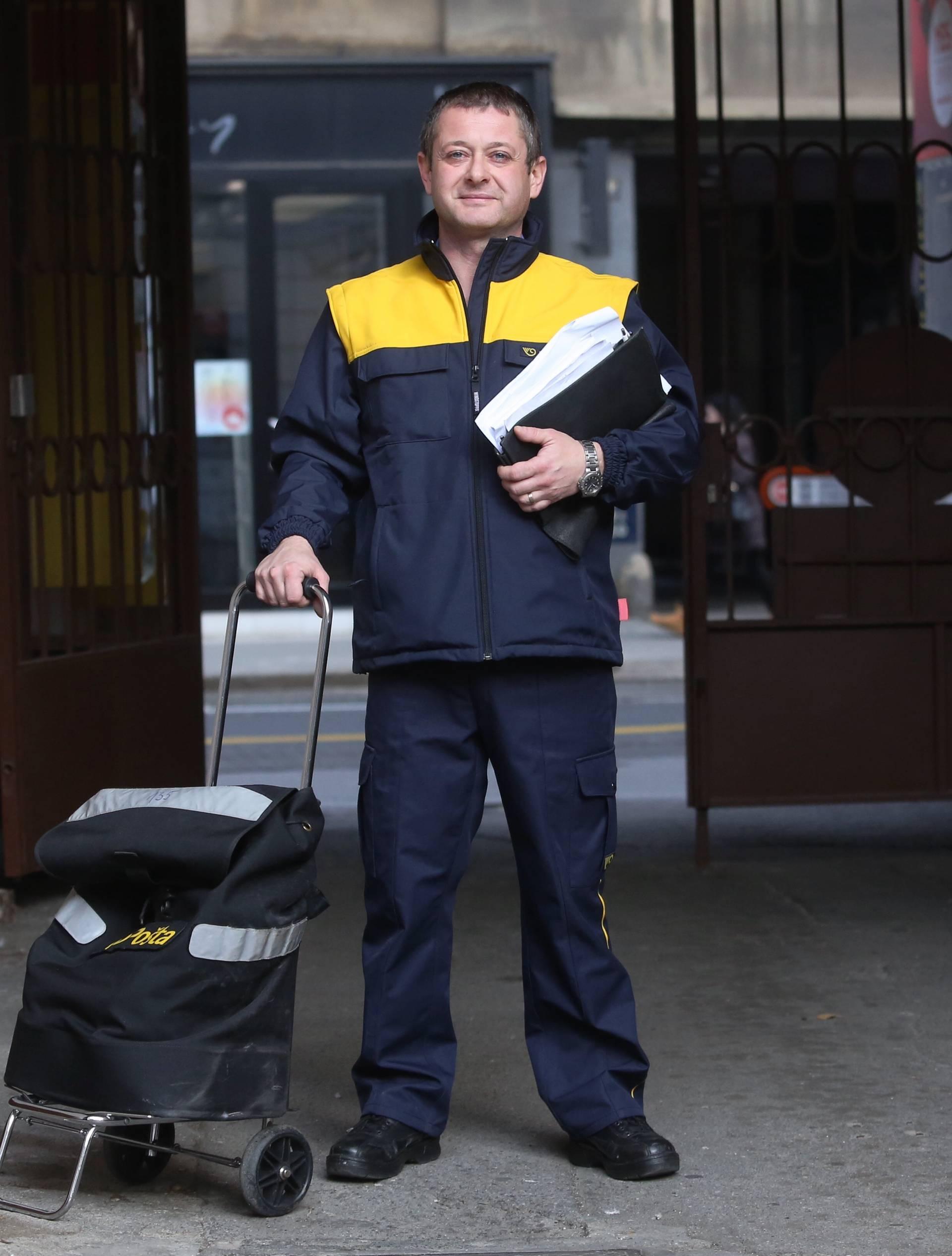 'Svi su pobjegli od ovog posla, nitko više ne želi biti poštar...'