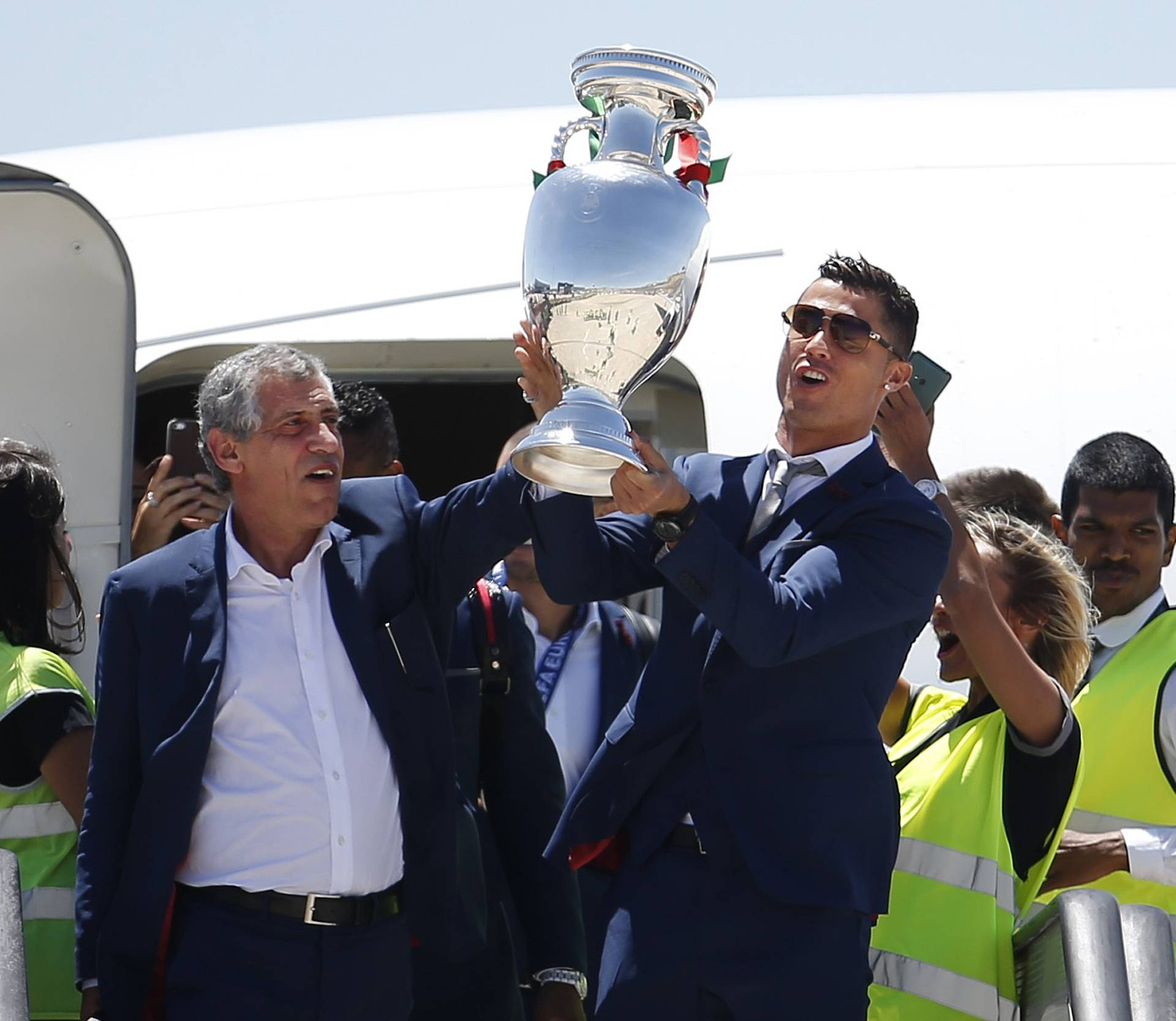 Santos and Ronaldo with Cup on return to Lisbon