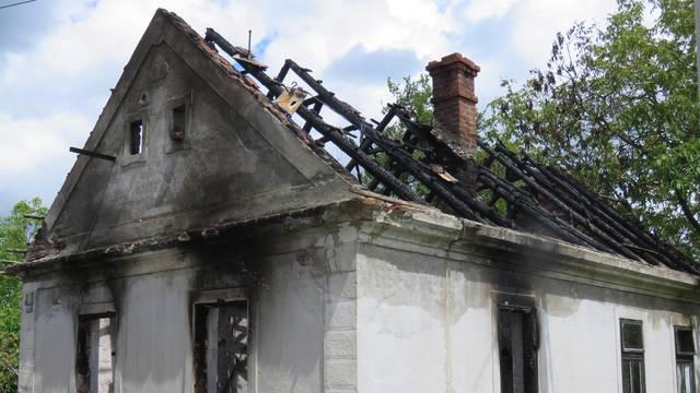 Strah od piromana u Orahovici: 'Tko pali naše kuće? Bojimo se'
