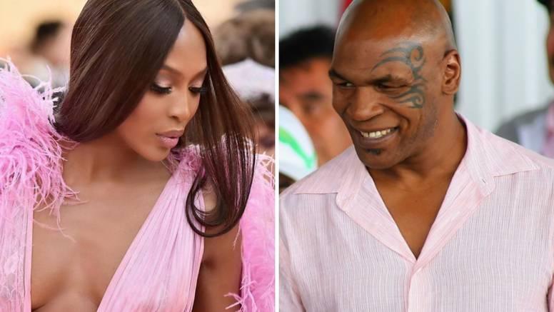 Naomi i Tyson seksali su se u WC-u, a ona ga se opet sjetila