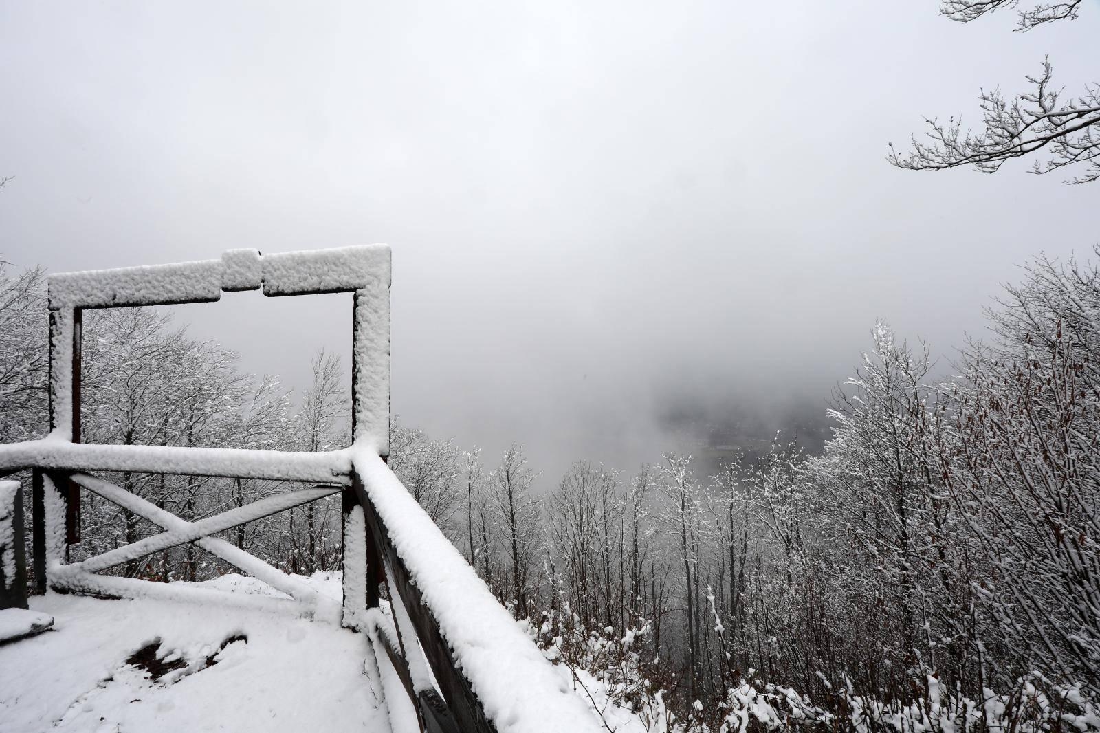 Snježni Uskrs: U Delnicama pao snijeg, a fotografije su čarobne