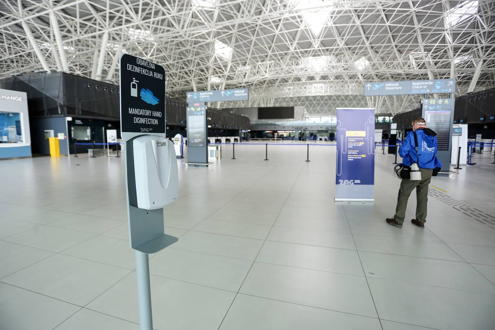 U ZL Franjo Tuđjman počela  djelomična obnova zračnog prometa unutar RH
