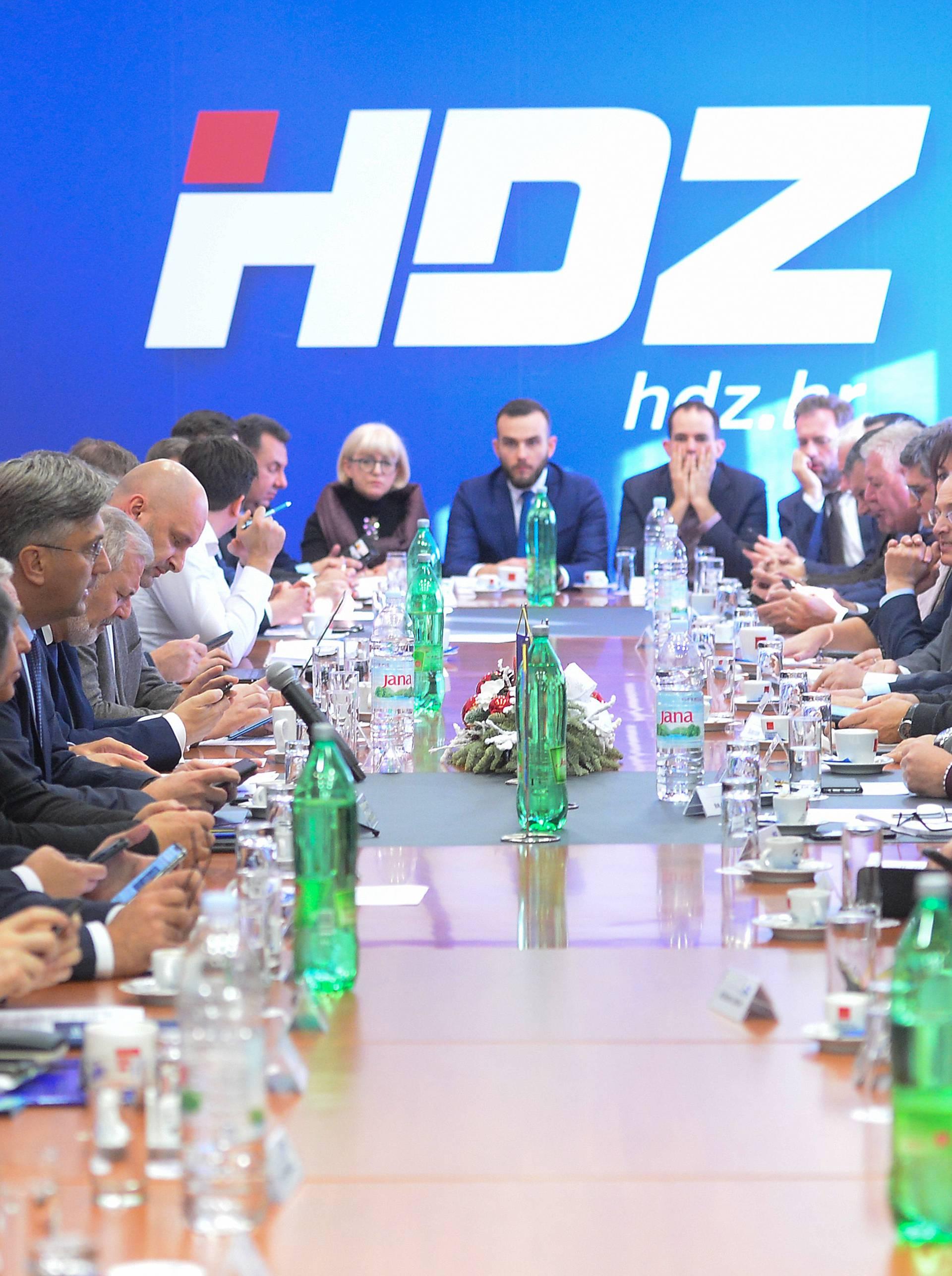 Napeto u HDZ-u: Nismo trebali u kampanji ići ekstremno desno