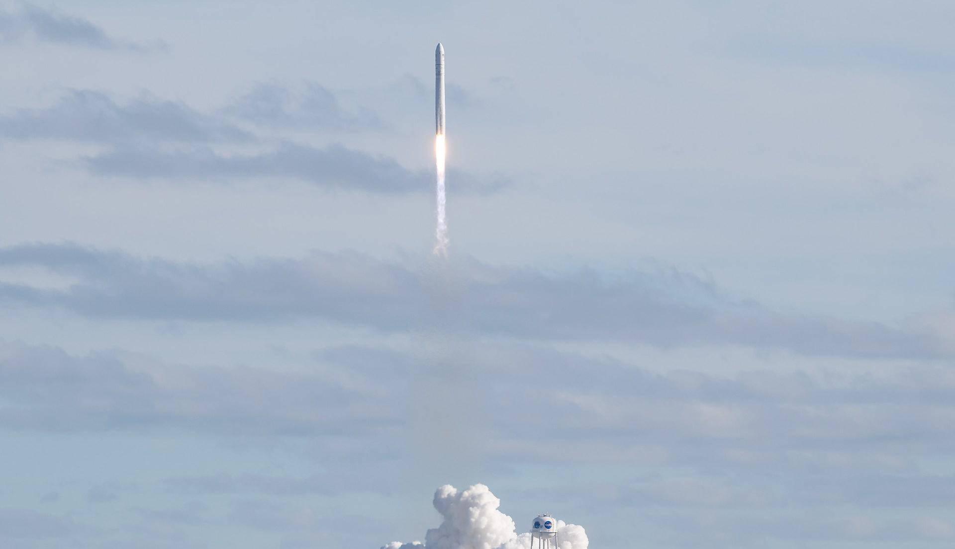 Kapsula na ISS nosi tri tone opreme i znanstvene pokuse