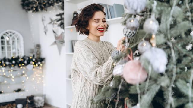 Uređenje doma - božićni ukrasi i kod odraslih izazivaju osjećaj sreće i dječjeg uzbuđenja