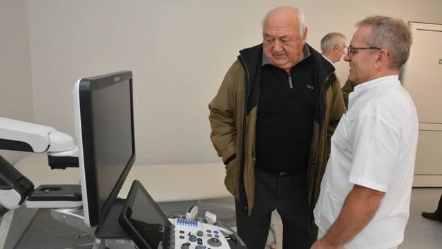 Požega: Umirovljenik, povratnik iz Šviarske, donirao UZV uređaj vrijedan 100 tisuća eura