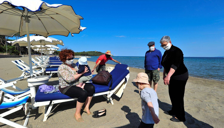 Ljudi se polako vraćaju na plažu u mjestu Punta Ala u Italiji: 'Oh, zaboravih koliko je ovdje lijepo'