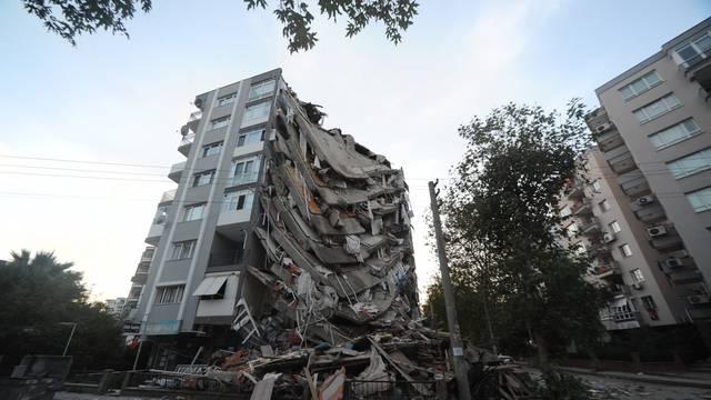 Magnitude 6.6 Earthquake Hits Izmir - Turkey