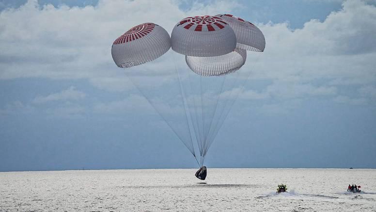 Svemirski turisti vratili se kući: 'Sjajno je, ali to je tek početak'