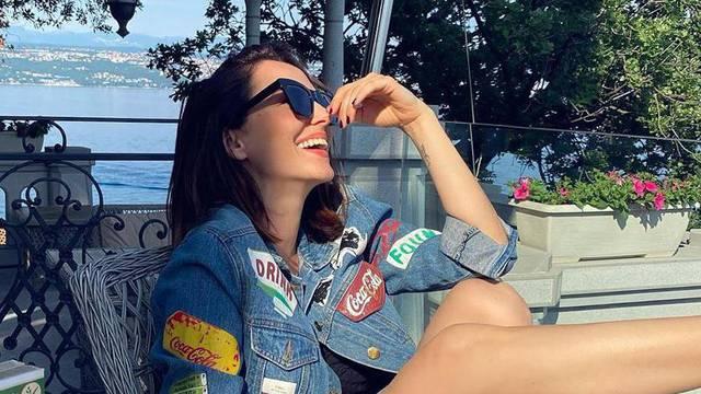Tatjana Jurić objavila fotku, a pratitelji komentiraju stopalo: 'Bože, pa koji broj obuće nosiš?'