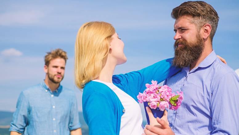 13 iskrenih razloga zašto se neki muškarci žele pomiriti s bivšom