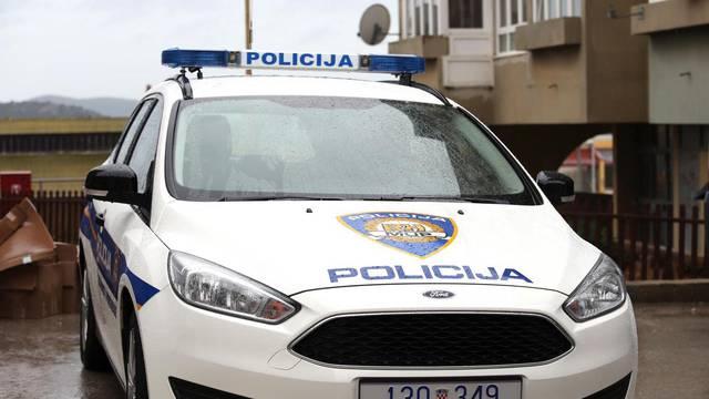 Sukobili se u kafiću na Žnjanu, porazbijali stakla, jedan uhićen