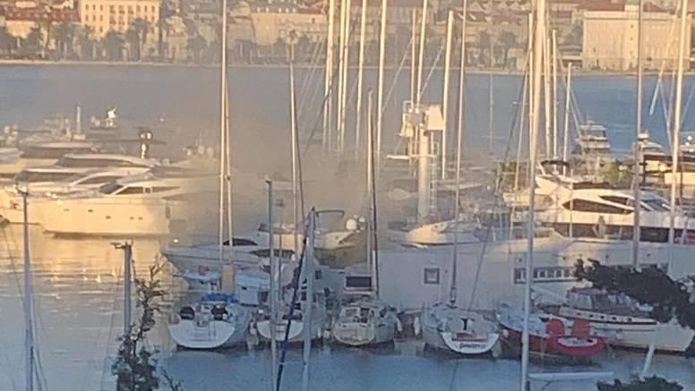 Gorjela jahta u Splitu: 'Crni dim je sukljao, izgledalo je strašno'