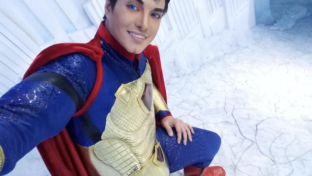 Superman s Filipina:  Operiran 21 put da liči na superjunaka