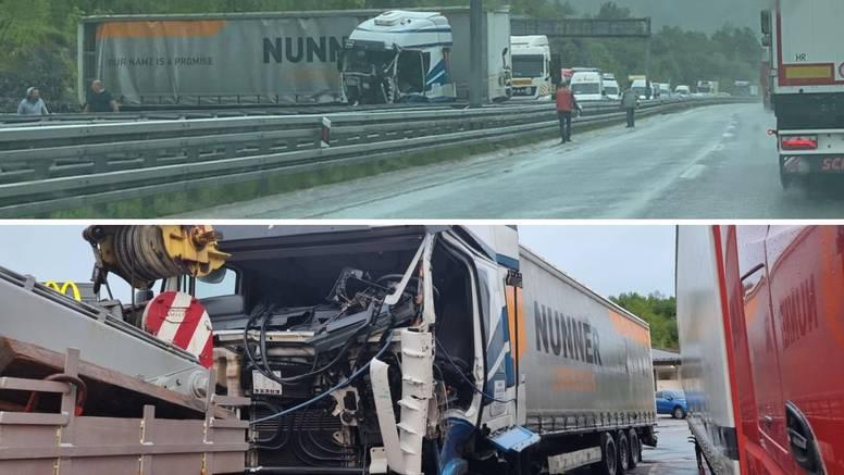 Blokirali promet na autocesti kod Vrbovskog. U sudaru dva kamiona dvoje ozlijeđenih