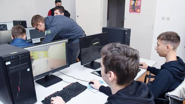 Novska: Učenici smjera za razvoj video igara posjetili poduzetnički inkubator PISMO