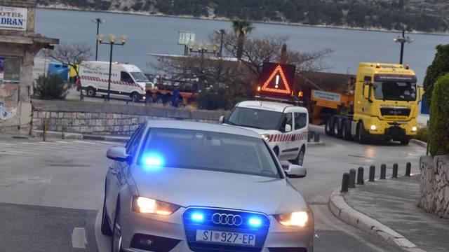 Diže se razina sigurnosti, stižu blindirana vozila i veće pratnje