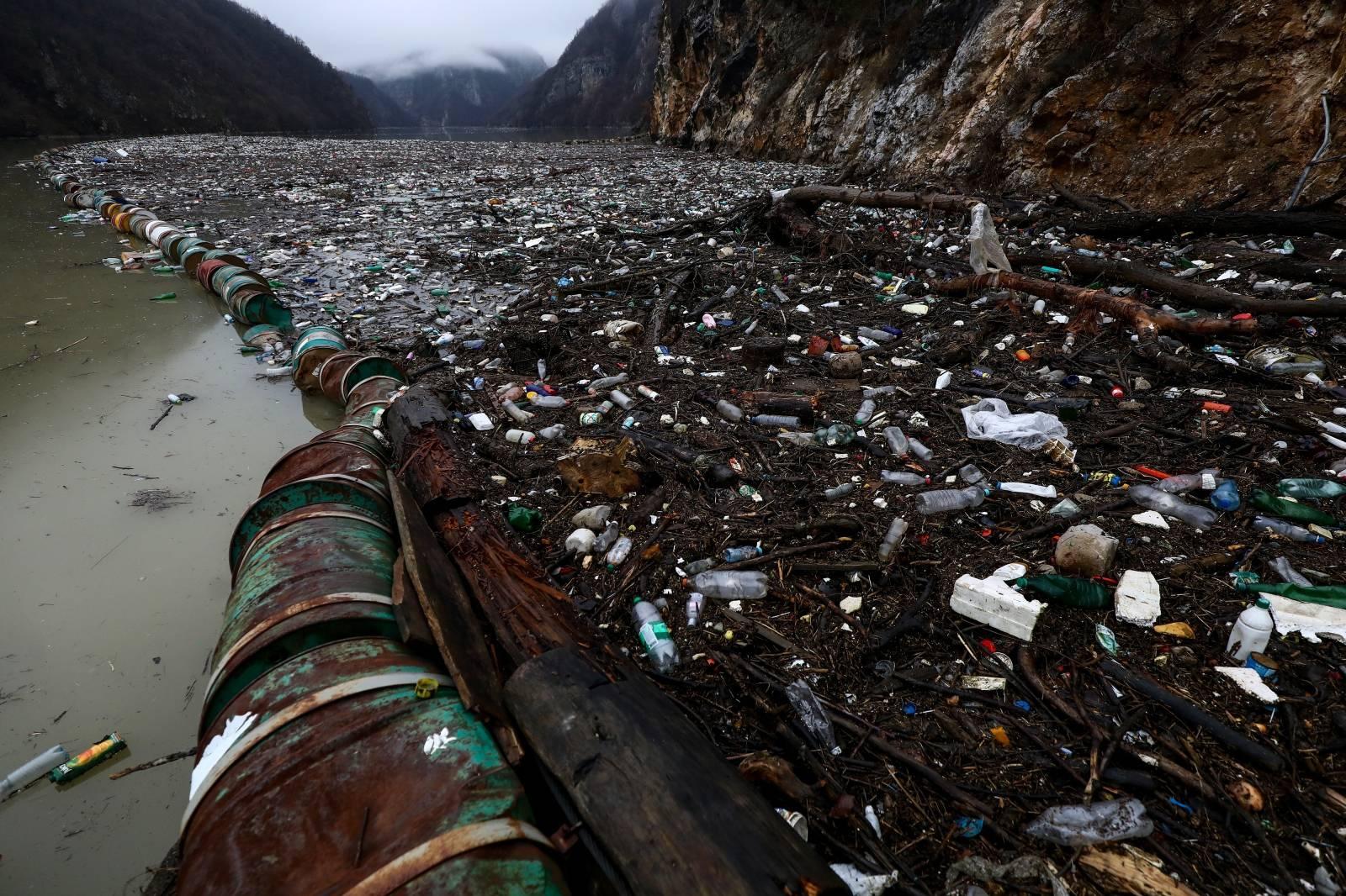 Višegrad: Nekoliko tisuća kubika otpada zagadilo rijeku Drinu