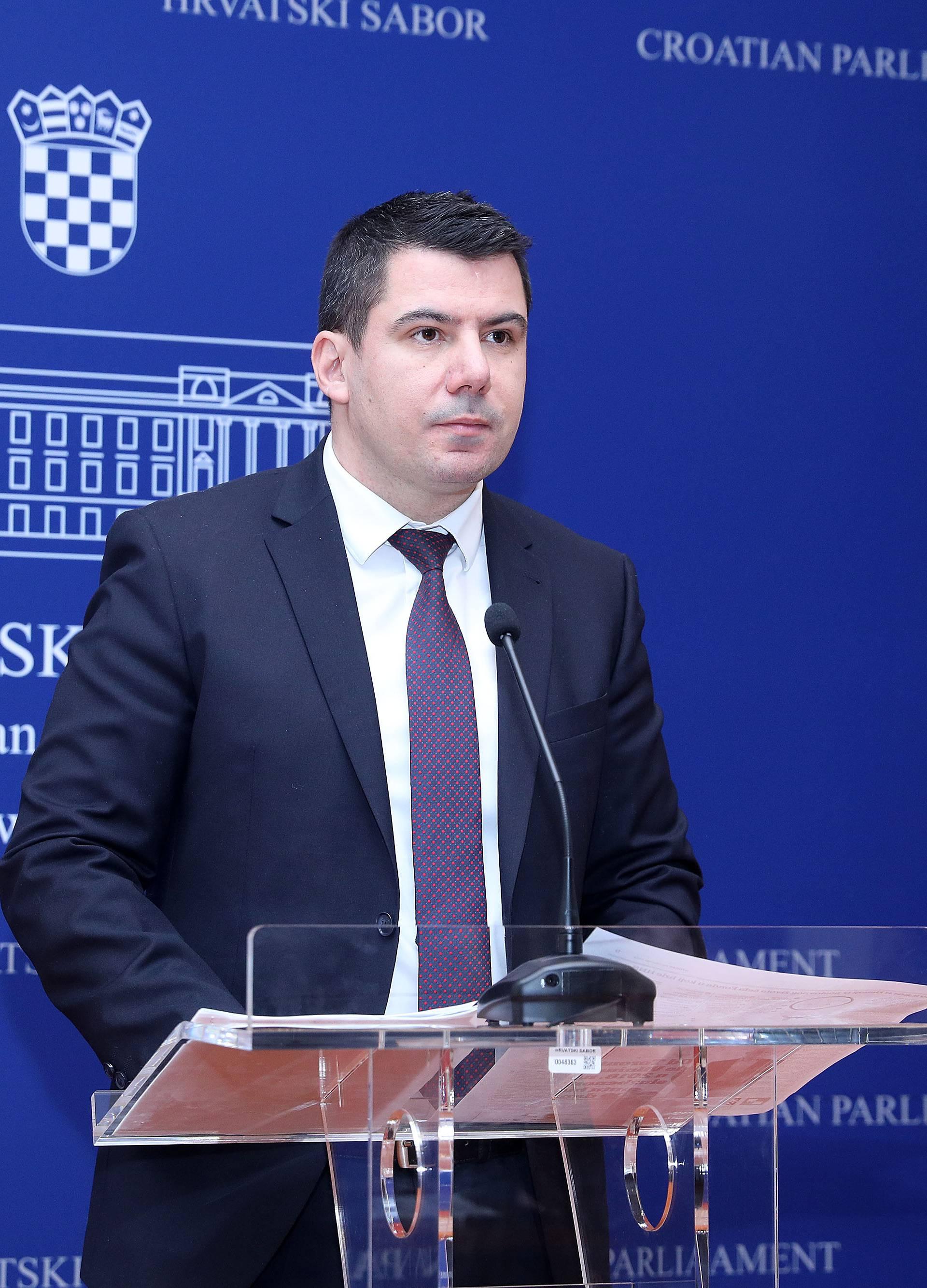 Zagreb: Nikola Grmoja u Saboru održao konferenciju za medije