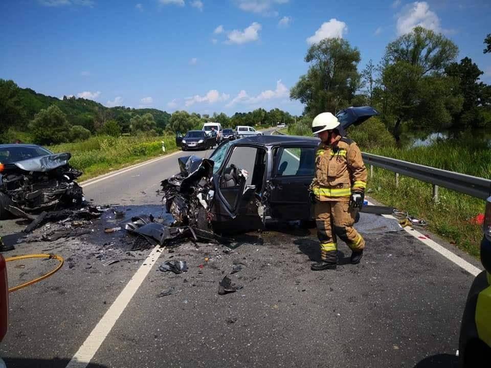 Petero ozlijeđenih u sudaru četiri auta na staroj Zagorskoj