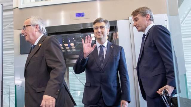 Plenki Junckera proveo kroz  obnovu zračne luke Dubrovnik