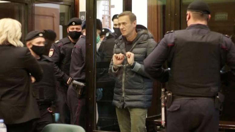 Navaljni ide u zatvor! Kazna je dvije godine i osam mjeseci