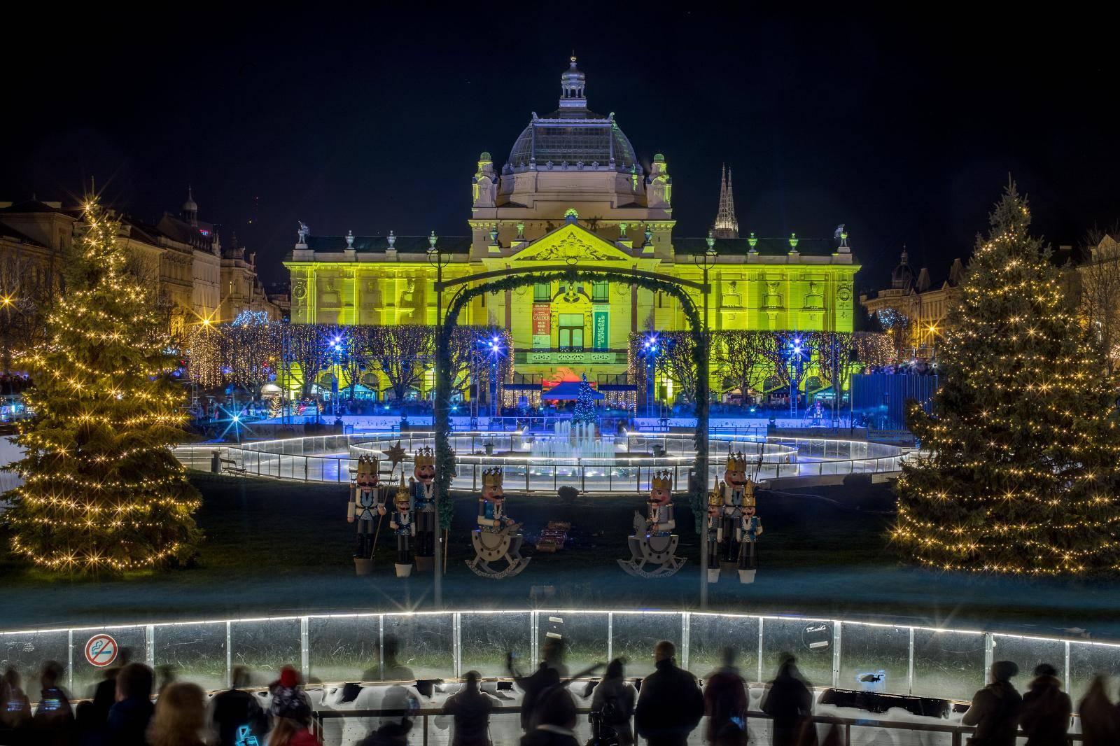 Zagreb: Orašar u Ledenom kraljevstvu otvorio Ledeni park na Zrinjevcu