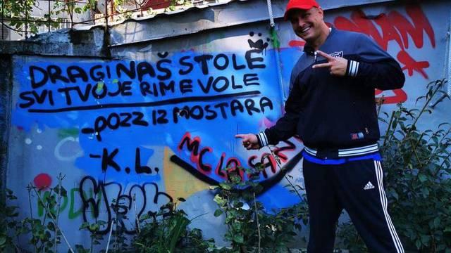 Stokini fanovi došli iz Mostara pa mu 'ostavili' grafit u parkiću