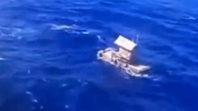 Bez motora i vesla: Tinejdžer preživio čak 49 dana na splavi!