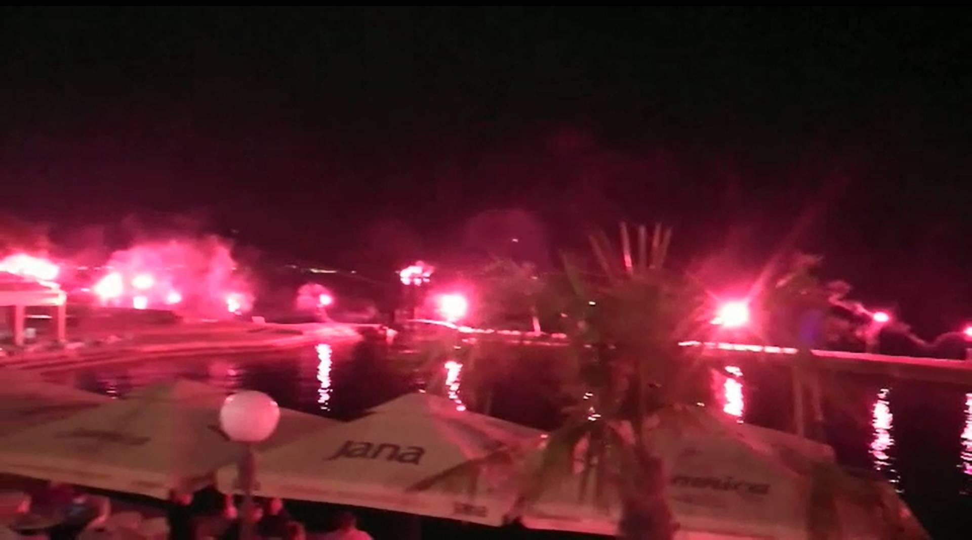 Armada je nastavila s feštom: Bakljada i u središtu Opatije...