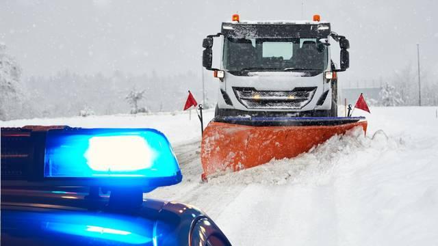 'Policija? Ubio sam ga, dođite ralicom': Lažno prijavio jer mu je smetao snijeg ispred kuće