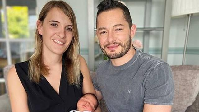 Muž i žena promijenili spol, a curicu im rodila surogat majka