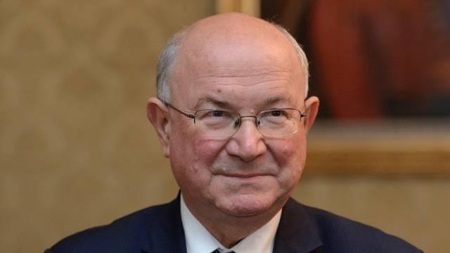 'Jako su me boljela leđa': Matu Granića operirali su na 'Rebru'