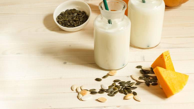 Fini jesenski napitak: Isprobajte mlijeko od sjemenki bundeve